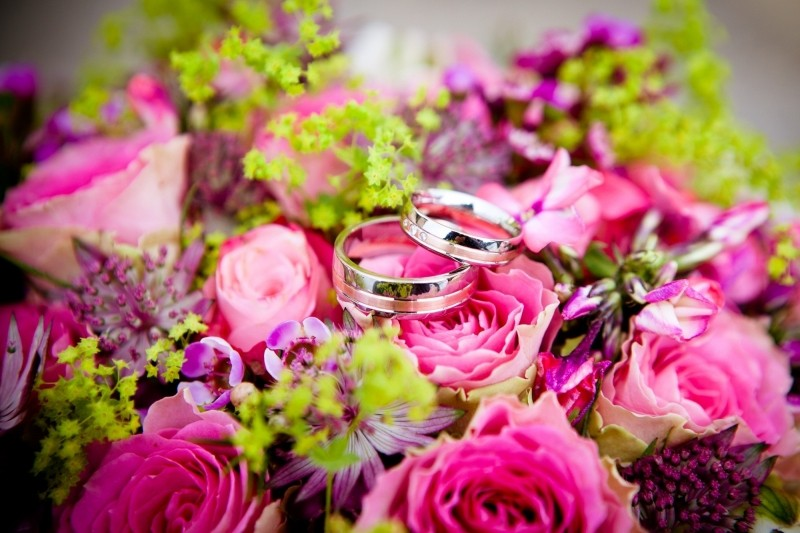 flowers-wedding-wedding-rings-bouquet-floral (1)